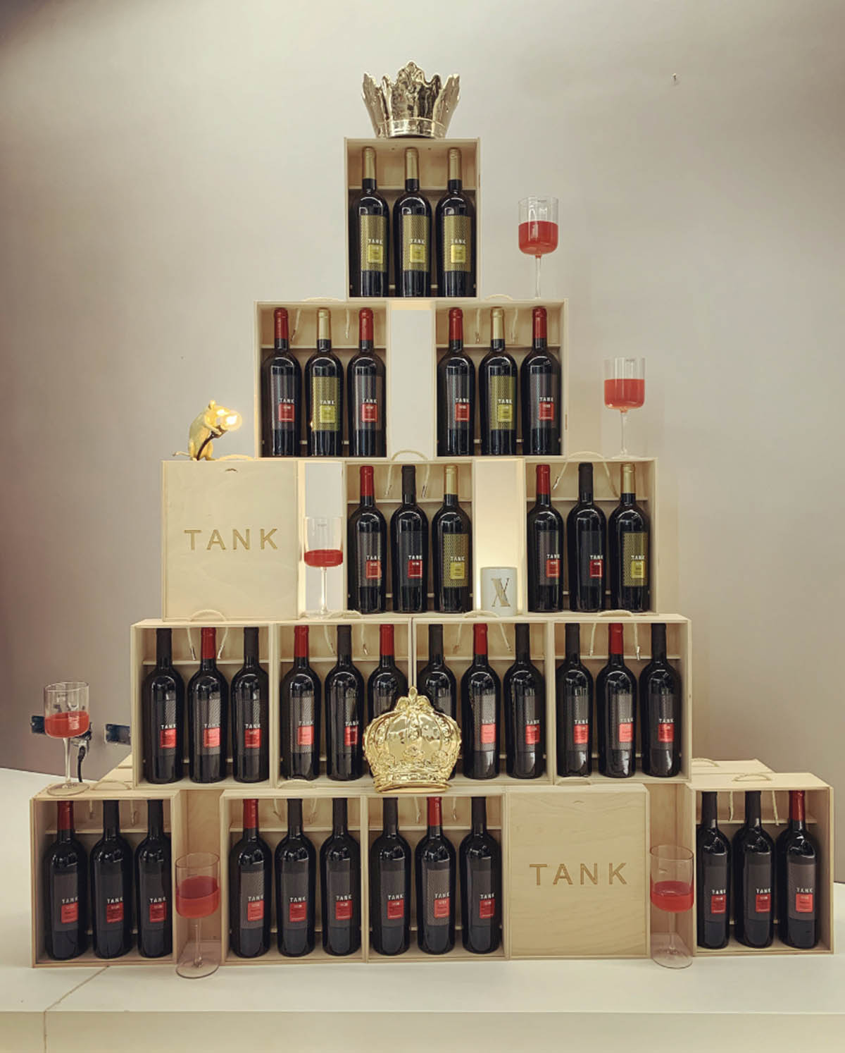 A Wine Christmas Tree by Cantine Minini