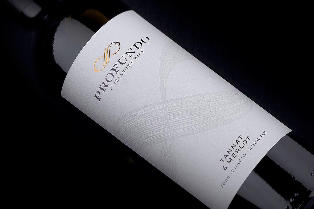 profundo wine label