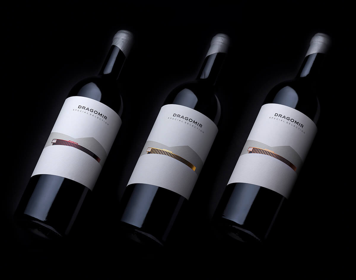 minimalist wine label design by the labelmaker